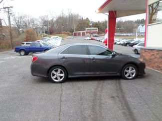 2013 Toyota Camry SE  city CT  Apple Auto Wholesales  in WATERBURY, CT