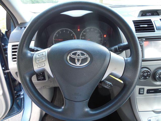 2013 Toyota Corolla LE Leesburg, Virginia 12