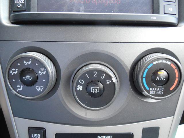 2013 Toyota Corolla LE Leesburg, Virginia 18