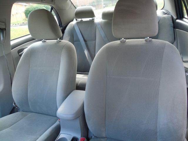 2013 Toyota Corolla LE Leesburg, Virginia 6
