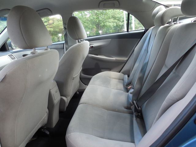 2013 Toyota Corolla LE Leesburg, Virginia 9