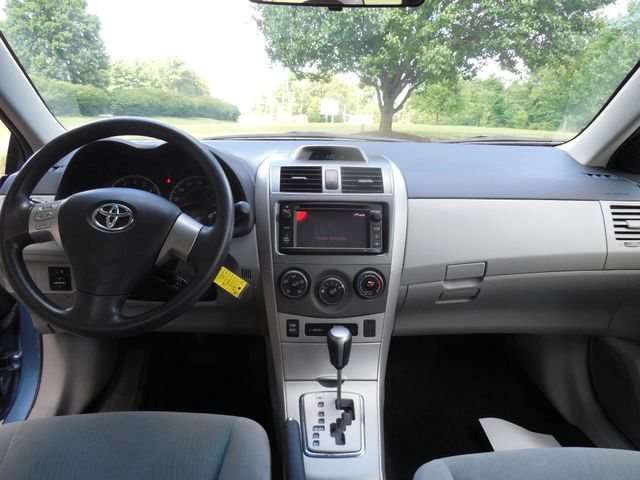 2013 Toyota Corolla LE Leesburg, Virginia 11