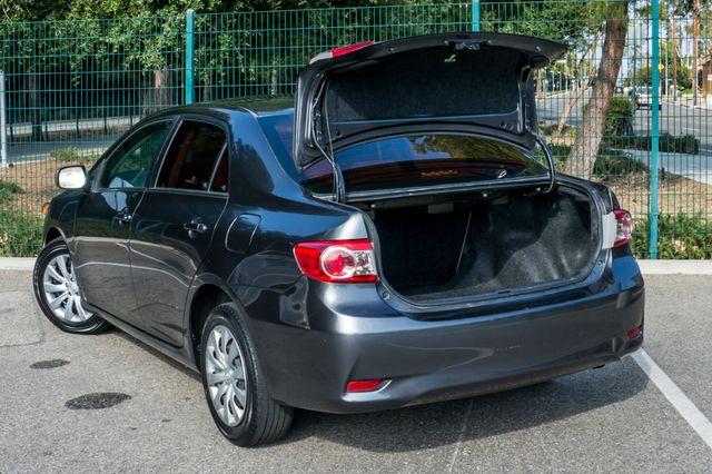 2013 Toyota Corolla LE Reseda, CA 10