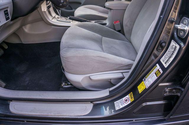 2013 Toyota Corolla LE Reseda, CA 14