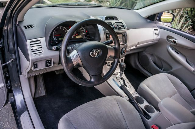 2013 Toyota Corolla LE Reseda, CA 15