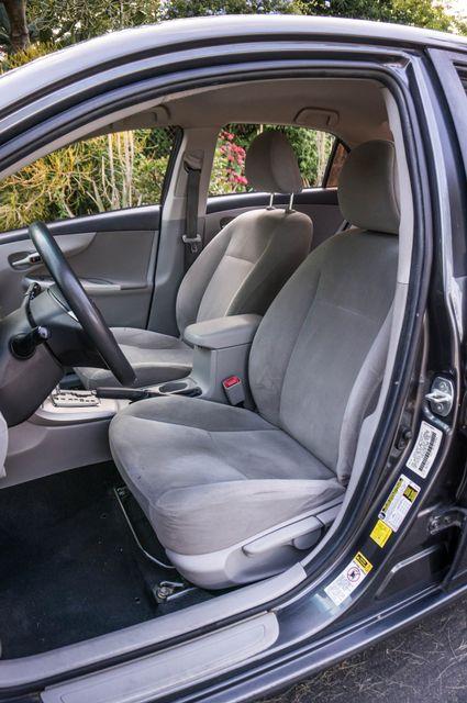2013 Toyota Corolla LE Reseda, CA 28