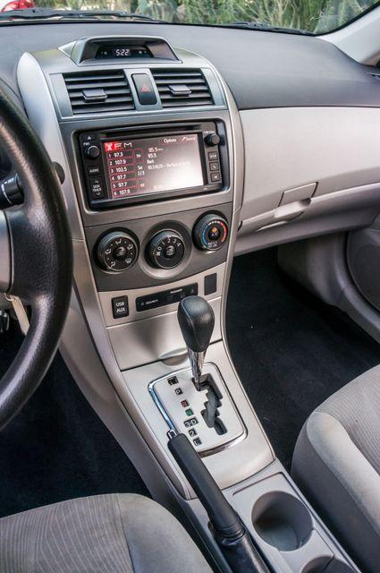 2013 Toyota Corolla LE Reseda, CA 24
