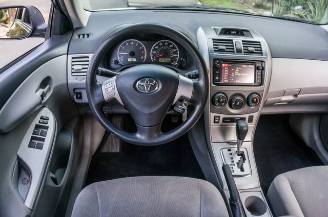 2013 Toyota Corolla LE Reseda, CA 19