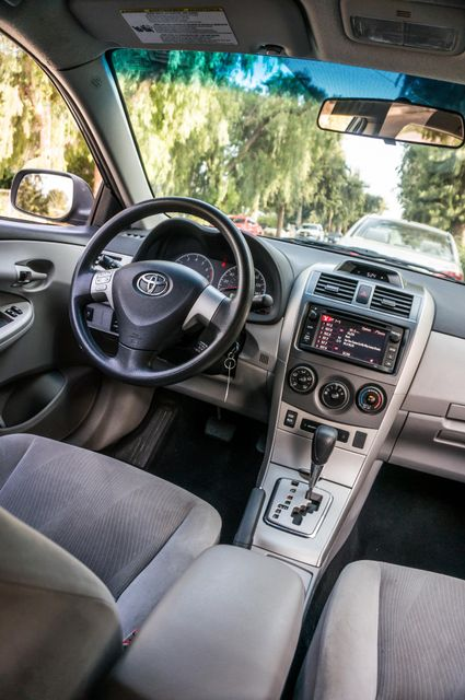 2013 Toyota Corolla LE Reseda, CA 34