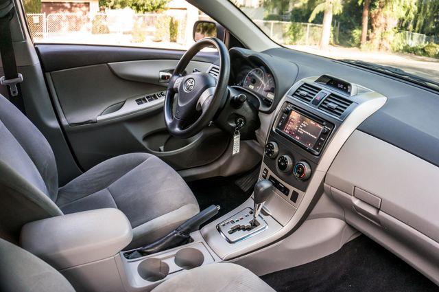 2013 Toyota Corolla LE Reseda, CA 32