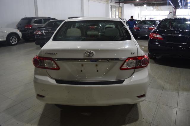 2013 Toyota Corolla 4dr Sdn Auto LE Richmond Hill, New York 3