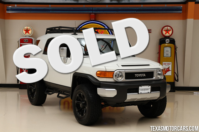 2013 Toyota FJ Cruiser This Carfax 1-Owner 2013 Toyota FJ Cruiser is in great shape with only 86