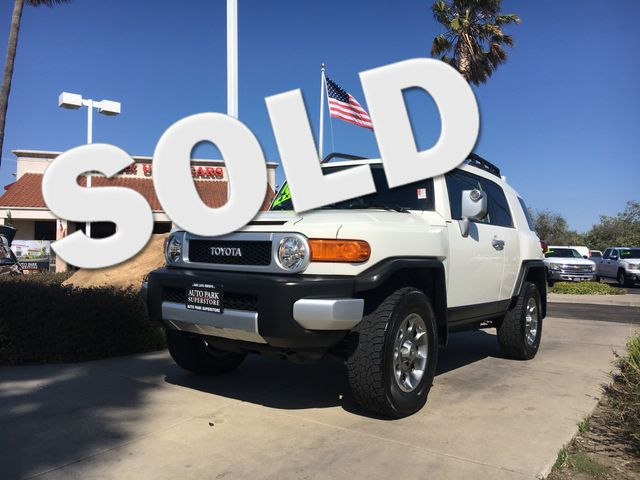 2013 Toyota FJ Cruiser Only one owner which guarantees a better quality vehicleGet the gas mileag
