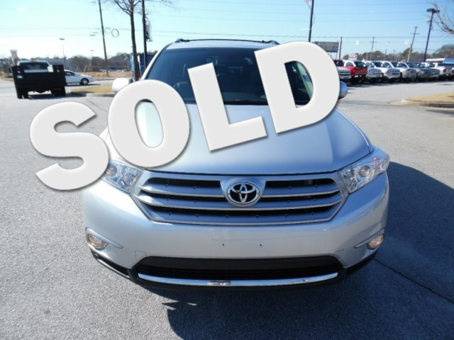 2013 Toyota Highlander SUPER SHARP VEHICLE CLEAN INSIDE AND OUT GREAT FAMILY CAR LOW MILES23