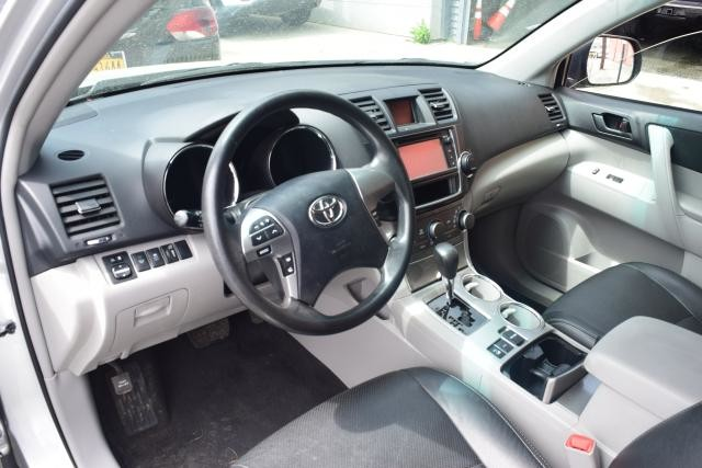 2013 Toyota Highlander 4WD 4dr Richmond Hill, New York 10