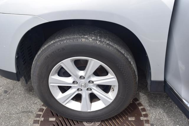 2013 Toyota Highlander 4WD 4dr Richmond Hill, New York 16