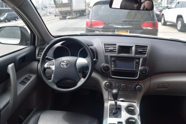 2013 Toyota Highlander 4WD 4dr Richmond Hill, New York 6