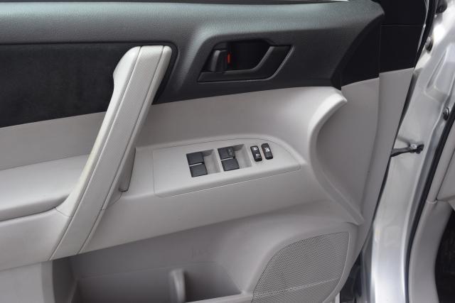 2013 Toyota Highlander 4WD 4dr Richmond Hill, New York 9