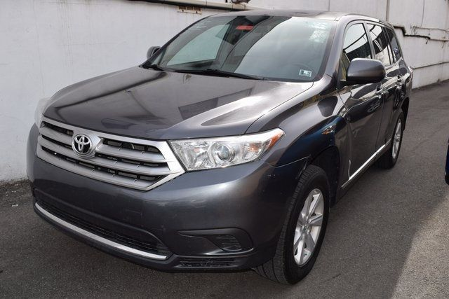 2013 Toyota Highlander Base Plus V6 Richmond Hill, New York 2