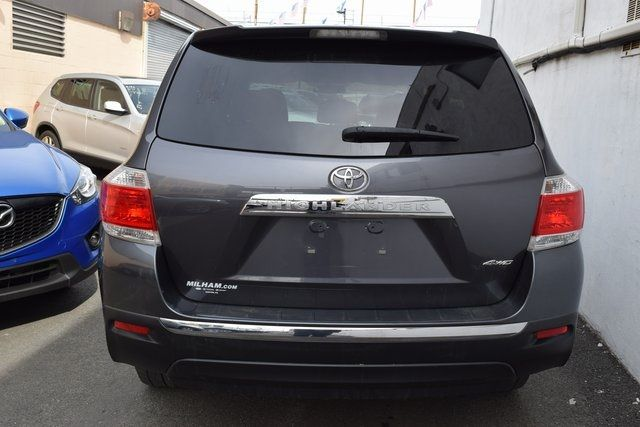 2013 Toyota Highlander Base Plus V6 Richmond Hill, New York 4