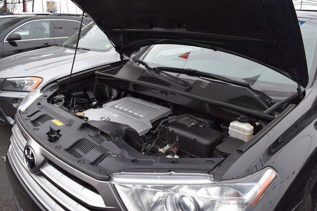 2013 Toyota Highlander Limited Richmond Hill, New York 14