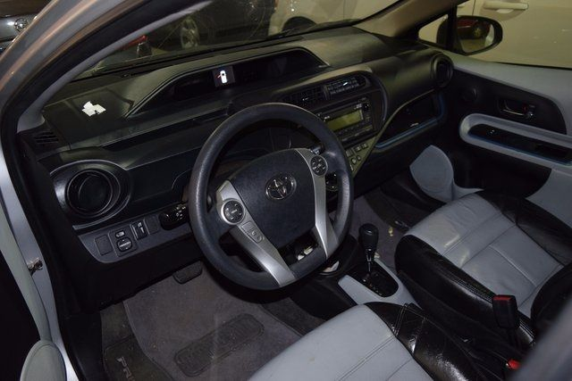 2013 Toyota Prius c Richmond Hill, New York 8