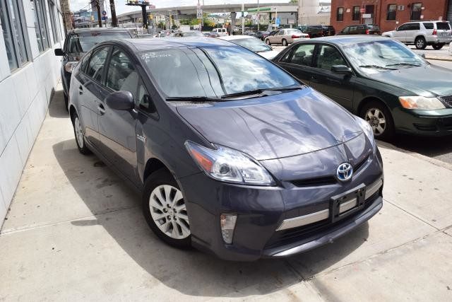 2013 Toyota Prius Plug-In 5dr HB (SE) Richmond Hill, New York 1