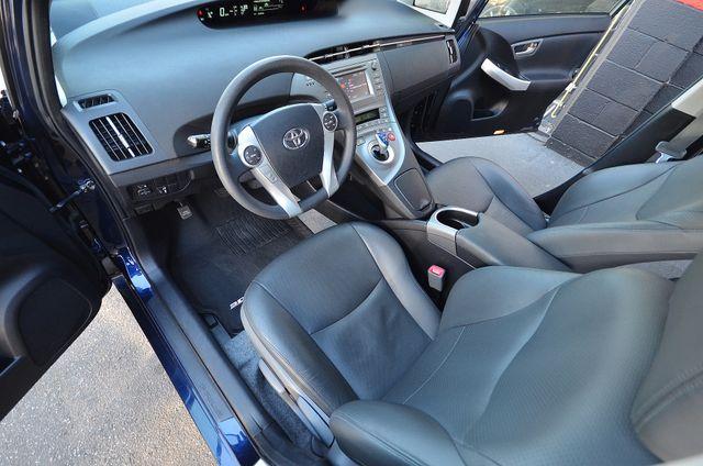 2013 Toyota Prius Two Reseda, CA 24
