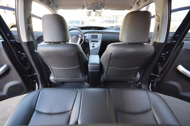 2013 Toyota Prius Two Reseda, CA 5