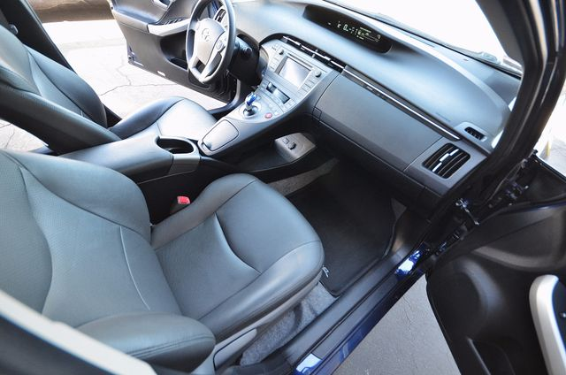 2013 Toyota Prius Two Reseda, CA 6