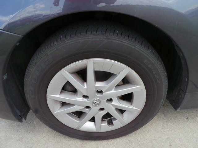 2013 Toyota Prius v Three Cape Girardeau, Missouri 8