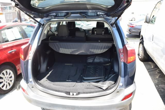 2013 Toyota RAV4 XLE Richmond Hill, New York 4