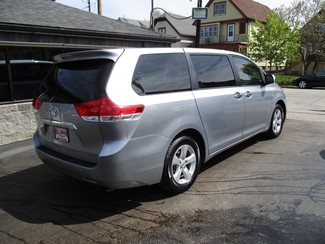 2013 Toyota Sienna L Milwaukee, Wisconsin 3