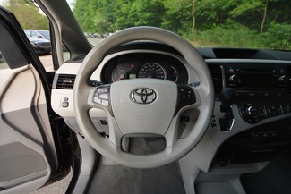 2013 Toyota Sienna LE Naugatuck, Connecticut 19
