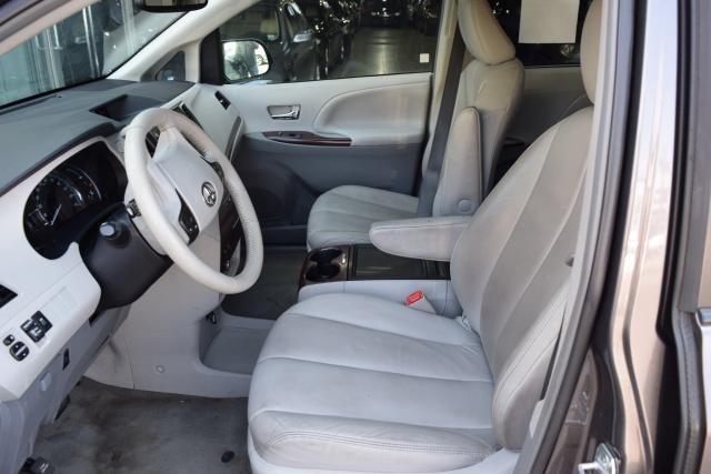 2013 Toyota Sienna 5dr 8-Pass Van V6 XLE FWD (SE) Richmond Hill, New York 12