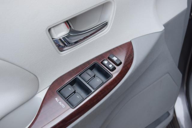 2013 Toyota Sienna 5dr 8-Pass Van V6 XLE FWD (SE) Richmond Hill, New York 13