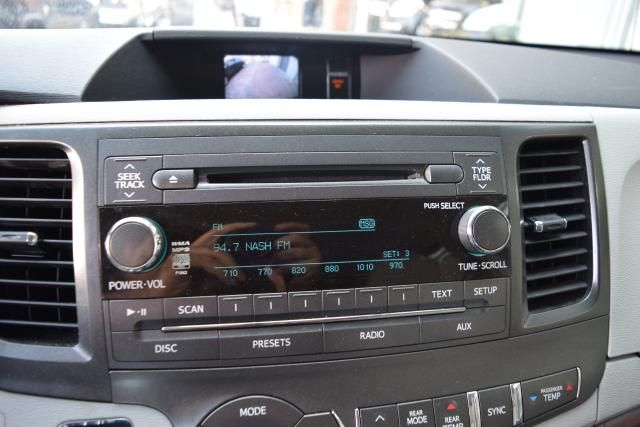 2013 Toyota Sienna 5dr 8-Pass Van V6 XLE FWD (SE) Richmond Hill, New York 17
