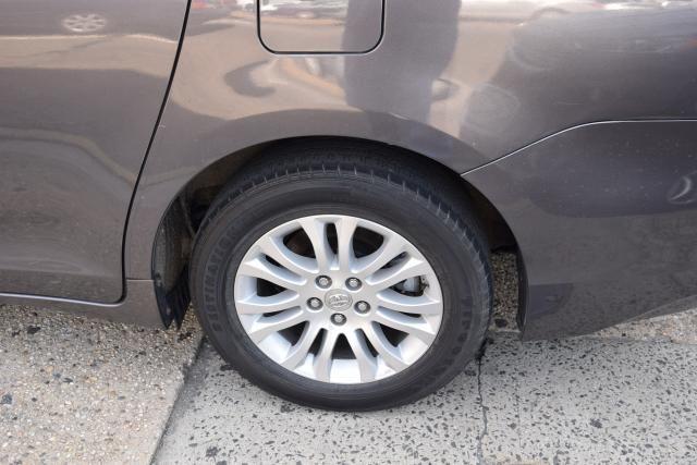 2013 Toyota Sienna 5dr 8-Pass Van V6 XLE FWD (SE) Richmond Hill, New York 5