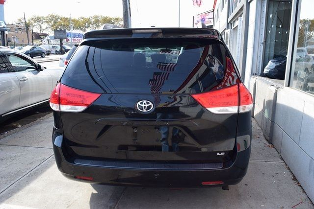 2013 Toyota Sienna LE Richmond Hill, New York 6