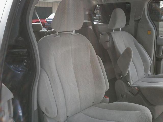 2013 Toyota Sienna LE San Antonio, Texas 11