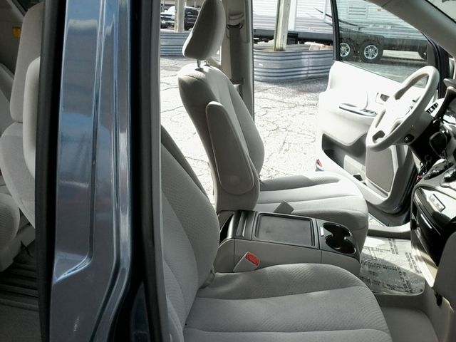 2013 Toyota Sienna LE San Antonio, Texas 14