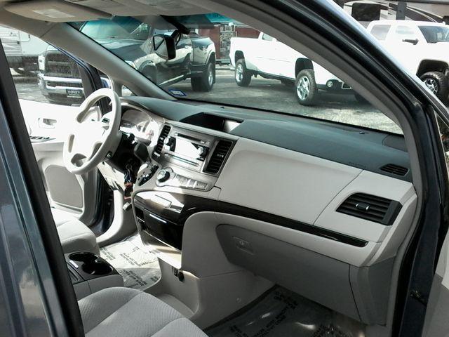 2013 Toyota Sienna LE San Antonio, Texas 15