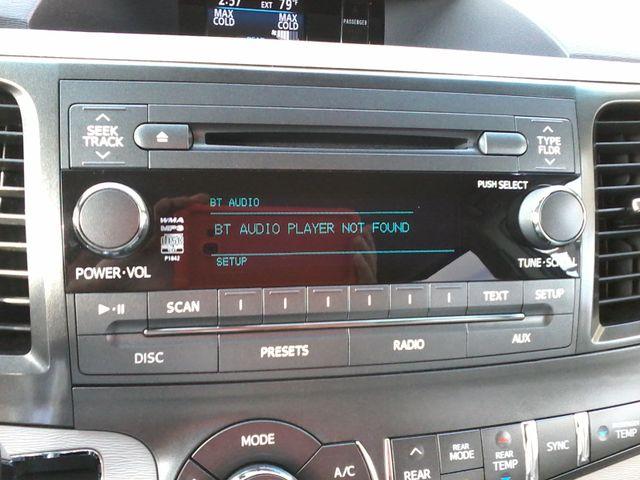 2013 Toyota Sienna LE San Antonio, Texas 21