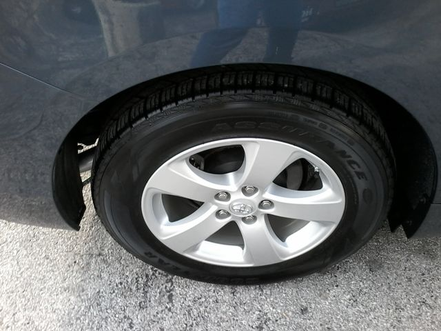2013 Toyota Sienna LE San Antonio, Texas 32