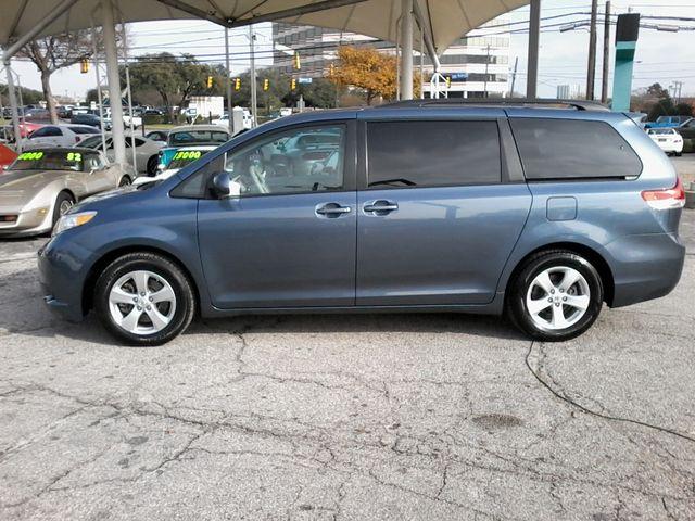 2013 Toyota Sienna LE San Antonio, Texas 4