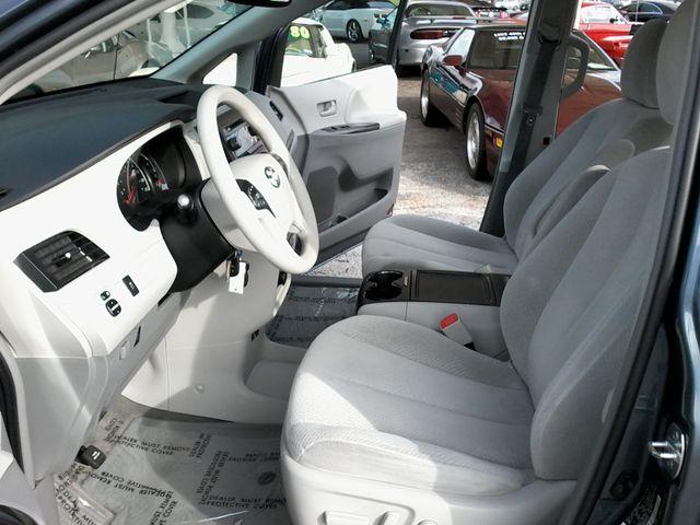 2013 Toyota Sienna LE San Antonio, Texas 7