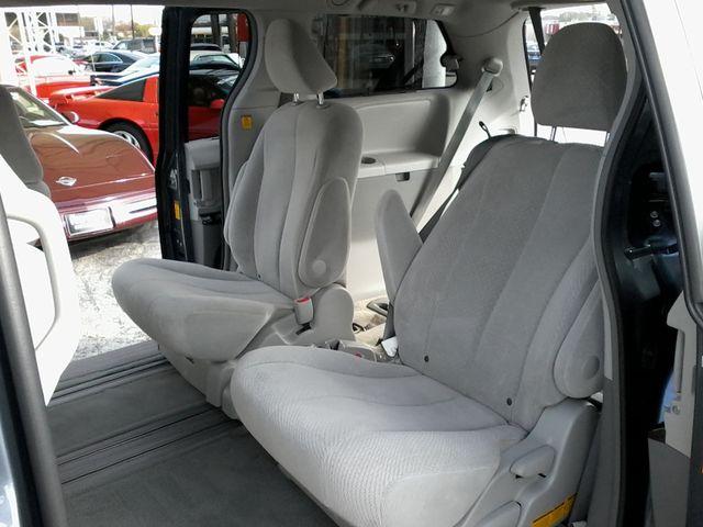 2013 Toyota Sienna LE San Antonio, Texas 8