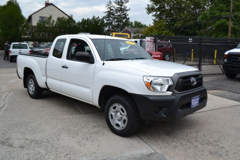 2013 Toyota Tacoma   city New  Father  Son Auto Corp   in Lynbrook, New