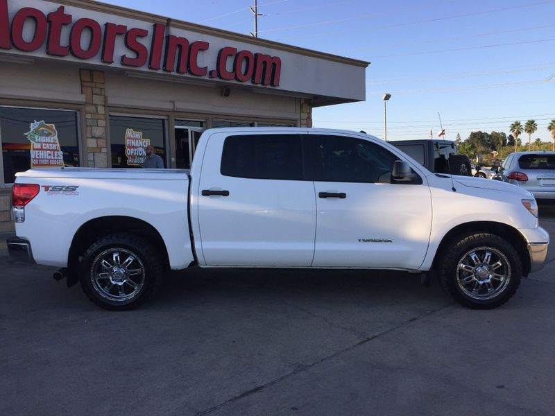 2013 Toyota Tundra   Brownsville TX  English Motors  in Brownsville, TX