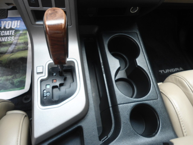 2013 Toyota Tundra LTD Crew Max 4x4 Plano, Texas 24